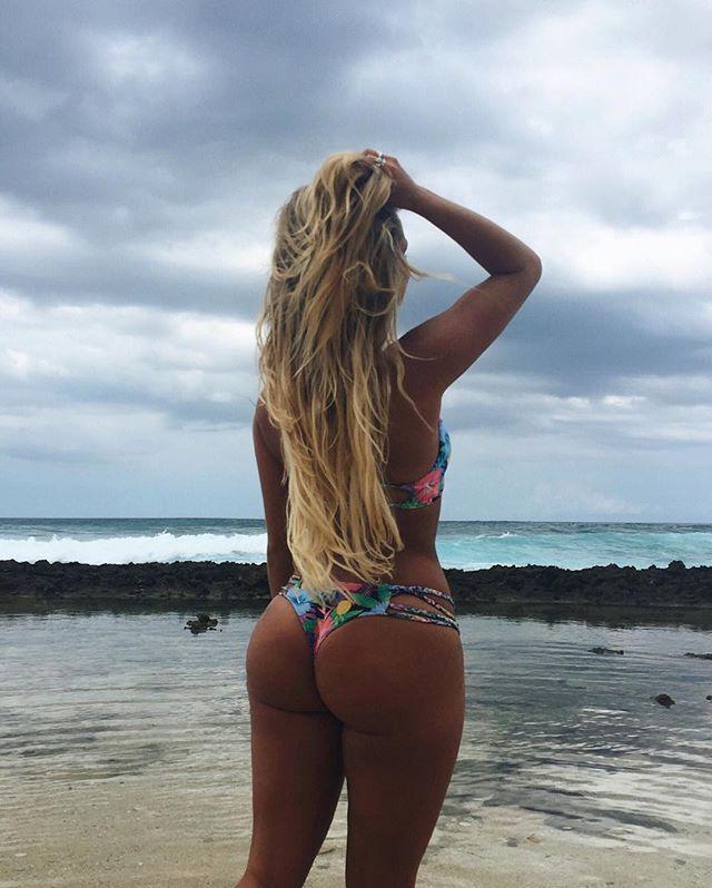 Instagram media karinairby - A few clouds won't stop me⚡️ @MOANA_BIKINI👙 Booty by @bikini.body.burn💪🏽
