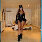Demi Rose mostrou sua figura famosa em uma roupa de catwoman látex sexy – Modelsgram